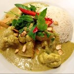 pumpkin and cauliflower curry with toasted cashew nuts & coriander