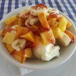 glace vanille et fruits frais