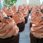Foto de Heavenly Delight Cupcakes