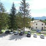 parcheggio dell'hotel e vista camera