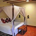Deluxe room (bed)