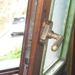 Maniglia rotta - finestra sempre aperta