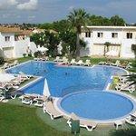 Blick aus Zimmer 216 auf den Pool, Vista Alegre Apartamentos