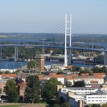 Blick vom Turm auf die Rügenbrücke