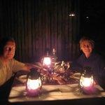Dineren in de Boma met olielampjes en kampvuur