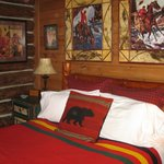 Bear's Den room