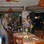 Live music at Dos Locos bar at Quepos