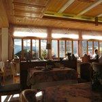 Gorgeous sunny breakfast room