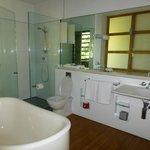 E20 standard room - bathrom