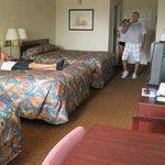 3 queen room