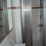 Bad und Dusche für dünne Heringe