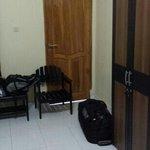 Zimmer mit 2 Türen
