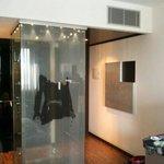 ducha moderna y transparente.