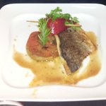 Filet de Daurade Royale avec brochettes de chorizos & piquitos sur tatin de tomates