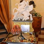 Presentazione piatto con scultura