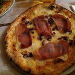 una pizza buonissima..