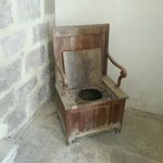 chaise percé