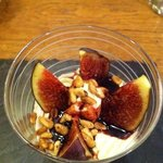Deconstructed cheesecake with figs