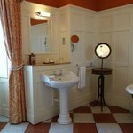 Countess Inchcape bathroom