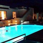 Ein Abend am Pool