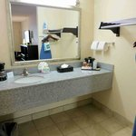 Sink counter, note offset mirror from sink