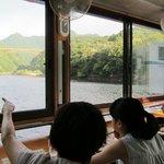 Breakfast on the Japanese houseboat 流れ船で朝食