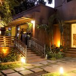 magara Cafe Bistro is relaxed, fun and fabulous and has established itself as a favourite to man