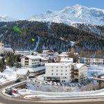 Hotel Julius Payer mit Blick zum Ortler (3905 m)
