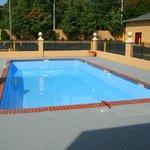 Pool (geschlossen bei 30 Grad)