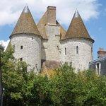 """Un château médiéval """"dans son jus"""" !"""