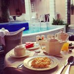 Breakfast time in the courtyard