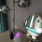 Dressing table & aromatherapy diffuser