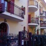 Veduta ingresso esterno Villa Marysa