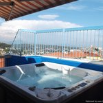Jacuzzi on the roof!