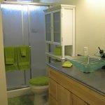 Guest House En Suite Bathroom.