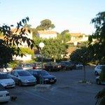 posto auto & vista dall'hotel