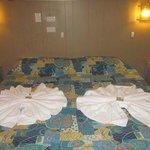 Loved the towel arrangements!