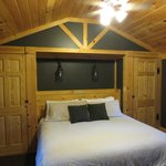 Deluxe Cabin #15 Bedroom (King)