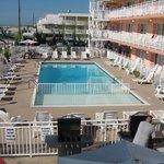 2nd floor pool view