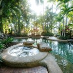 Tropical Pool & Spas
