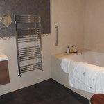 Semerwater Suite Bathroom