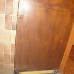 puerta del baño sin maneta