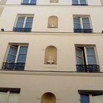 charmant hotel du theatre Paris 17 nouvelle façade