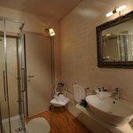 """""""Bagno Camera 2 / Bathroom Room 2"""""""