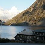 Vue de l'hotel depuis la route de Dalsnibba