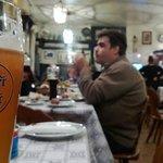 Birra e tavoli interni
