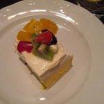 Dessert (mango and white chocolate pie)