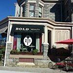 Cafe bold