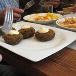 Croquetas de arroz negro con allioli ... DELI!!!!