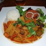 carry vinday (curry en pâte) de crevettes aux légumes épicés